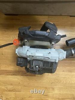 Echo Pb-413t Gas Powered Backpack Leaf Blower 44.0 CC 175 Mph Vitesse Maximale De L'air